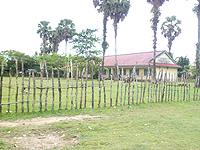 コンポンスマットチュ小学校